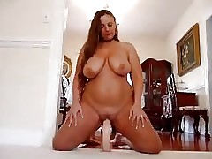 Topless free sex videos - fat chick gets fucked